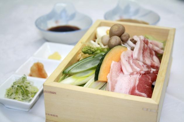 野菜たっぷり豚角煮蒸篭<br>
